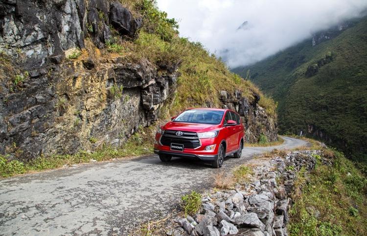 Đánh giá Toyota Innova 2020, Chọn Một Cho Tất Cả –  Chiếc MPV của gia đình Việt –  Khuyến mãi, giá lăn bánh tháng 03/2020