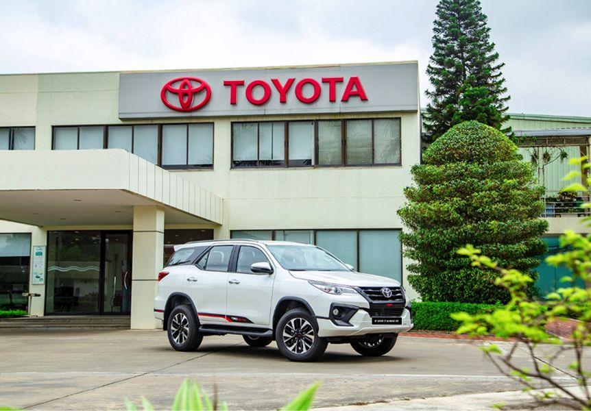 Toyota Fortuner TRD, Lắp Ráp Tại VN, Sản Xuất Năm 2019 – Tặng 100% Thuế Trước Bạ – Áp Dụng Từ Ngày 4/3/2020  Đến Ngày 31/3/2020